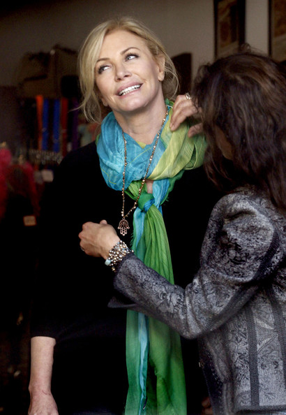 More Pics of Shannon Tweed Patterned Scarf (1 of 26) - Shannon Tweed Lookbook - StyleBistro