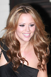 Kimberley Walsh wore her long wavy hair in a subtle bouffant during an episode of 'The X Factor.'