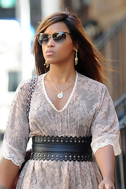 Eve accentuated her tiny waist with a stylish cutout leather belt while strolling in New York City.