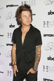 Ryan Cabrera chose a short-sleeve, black button down for his rocker-inspired look at the Hyde Nightclub in Las Vegas.
