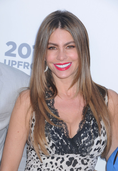 More Pics of Sofia Vergara Layered Cut (1 of 15) - Sofia Vergara Lookbook - StyleBistro