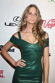 Julie Henderson attended a 'Sports Illustrated' event in Las Vegas wearing her hair in long beachy waves.