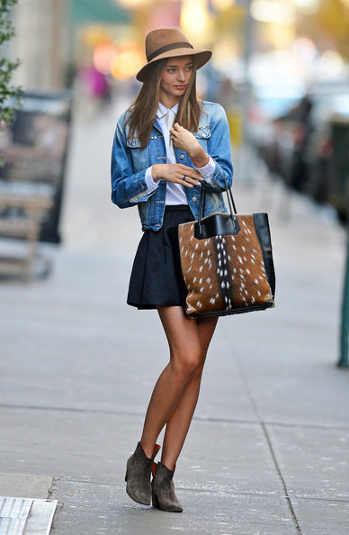 More Pics of Miranda Kerr Printed Tote (1 of 8) - Miranda Kerr Lookbook - StyleBistro