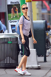 Karolina Kurkova stayed chic post workout in a pair of black oval sunglasses.