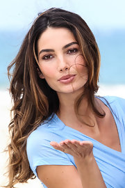 Lily Aldridge kept it natural with neutral eyeshadow at the Victoria's Secret Angels What is Sexy event.