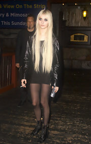 Taylor Momsen wore this LBD with her rugged look at the House of Blues club.