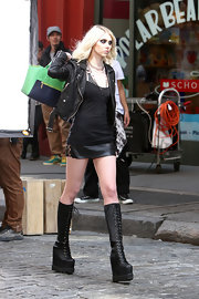 Taylor Momsen rocked the punk look on the set of a music video when she sported this cool leather jacket.