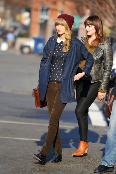 More Pics of Taylor Swift Wool Coat (1 of 5) - Taylor Swift Lookbook - StyleBistro