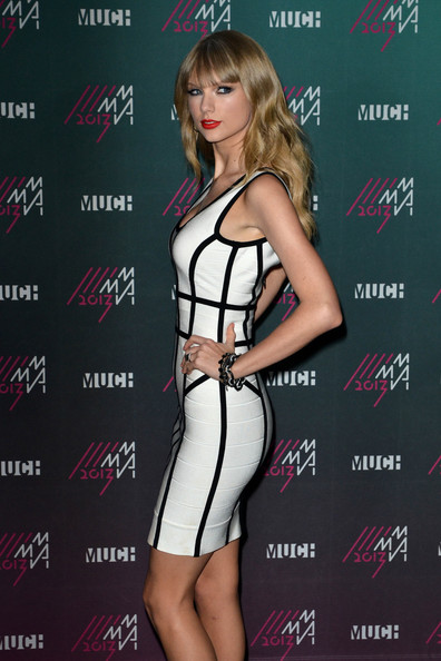 More Pics of Taylor Swift Bandage Dress (4 of 14) - Taylor Swift Lookbook - StyleBistro