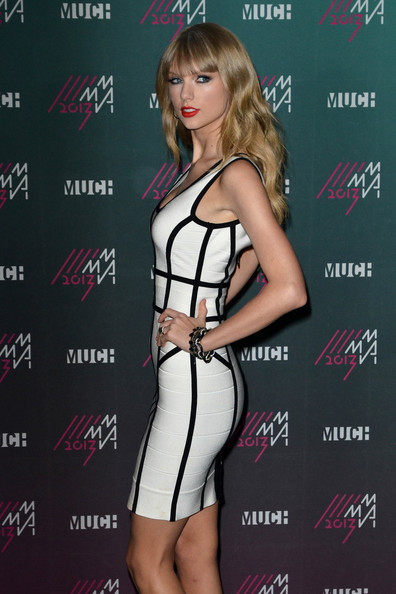 More Pics of Taylor Swift Bandage Dress (1 of 14) - Taylor Swift Lookbook - StyleBistro