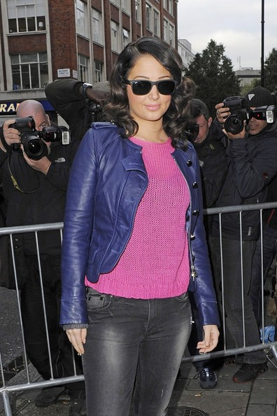 More Pics of Tulisa Contostavlos Wayfarer Sunglasses (1 of 6) - Tulisa Contostavlos Lookbook - StyleBistro
