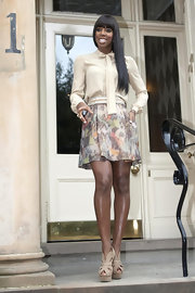Kelly Rowland wowed during auditions for 'X-Factor' in nude platform cutout Liberty pumps with wooden heels.