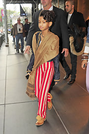 There can be no doubt about it, Willow is on her way to divadom. Here she's a standout in red-and-white striped pants.