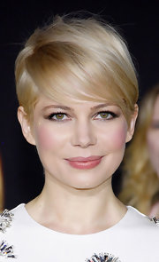 Michelle Williams played up her soft features with glossy pink lips at the 'Oz the Great and Powerful' premiere.
