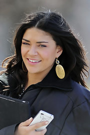 Jessica Szohr was spotted on set of 'Gossip Girls' wearing decorative gold earrings.