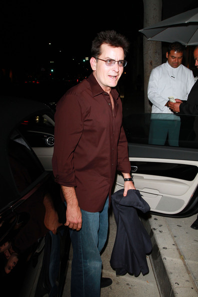 More Pics of Charlie Sheen Button Down Shirt (1 of 21) - Charlie Sheen Lookbook - StyleBistro