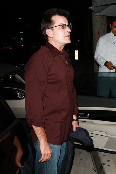 More Pics of Charlie Sheen Button Down Shirt (3 of 21) - Charlie Sheen Lookbook - StyleBistro