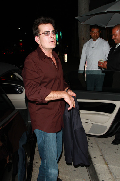 More Pics of Charlie Sheen Button Down Shirt (4 of 21) - Charlie Sheen Lookbook - StyleBistro