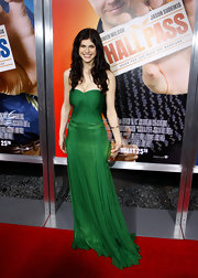 Alexandra Daddario wowed the crowd in this emerald strapless dress at the premiere of 'Hall Pass.'
