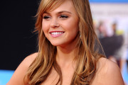 Aimee Teegarden Rocks a Layered Cut to the Premiere of 'Prom'