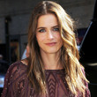 Amanda Peet Hair - Long Wavy Cut
