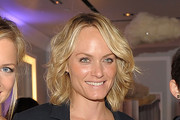 Amber Valletta Medium Wavy Cut