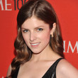 Anna Kendrick Hair - Long Wavy Cut