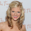 Arden Myrin Medium Curls