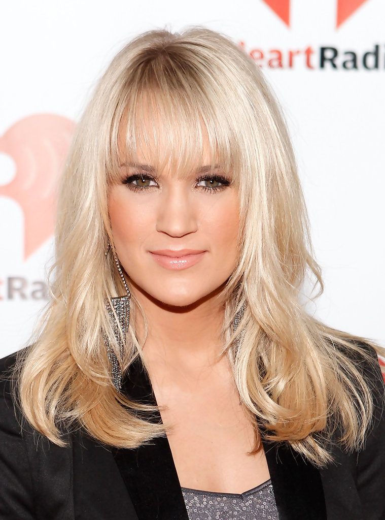 Carrie Underwood Long Wavy Cut With Bangs Carrie