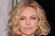 Charlize Theron's Curly Bob Hairstyle at the Premiere of 'Young Adult'