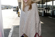 Dakota Fanning Cape