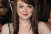 Dakota Fanning Side Sweep