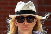 Elizabeth Banks Casual Hats