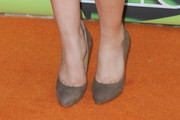 Jennette McCurdy Struts in Gray Suede Pumps