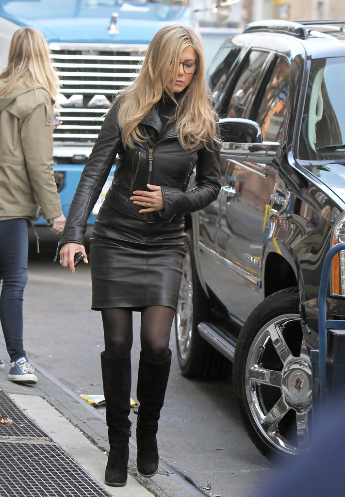 jennifer aniston knee high boots jennifer aniston shoes