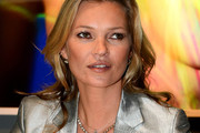 Kate Moss Long Wavy Cut