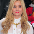 Laura Whitmore Hair - Long Wavy Cut