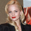Mena Suvari Hair - Retro Hairstyle