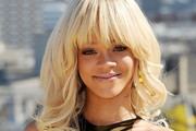 Rihanna Long Wavy Cut with Bangs
