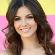 Victoria Justice Hair - Long Wavy Cut