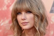 Taylor Swift Short cut with bangs
