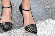 Hilary Swank Pumps