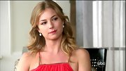Emily VanCamp wore her hair as she so often does on 'Revenge,' in loose center-parted curls.