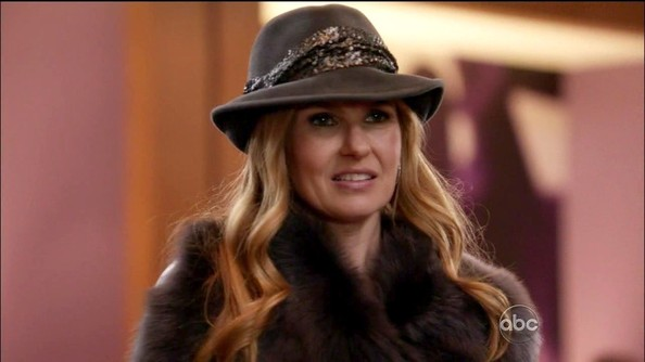 Connie Britton Hats