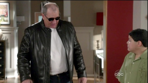 Ed O'Neill Clothes