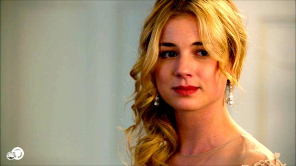 Emily VanCamp Dangle Decorative Earrings
