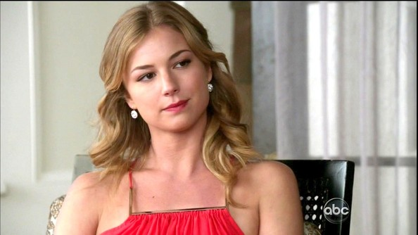 Emily VanCamp Medium Curls