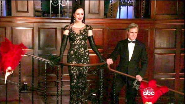 Madeleine Stowe showed off her figure in this capped-sleeve lace gown, which she sported on 'Revenge.'