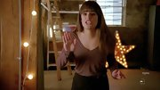 Lea Michele opted for a cool v-neck tee for her sleek style on 'Glee.'
