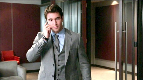 Josh Bowman Clothes
